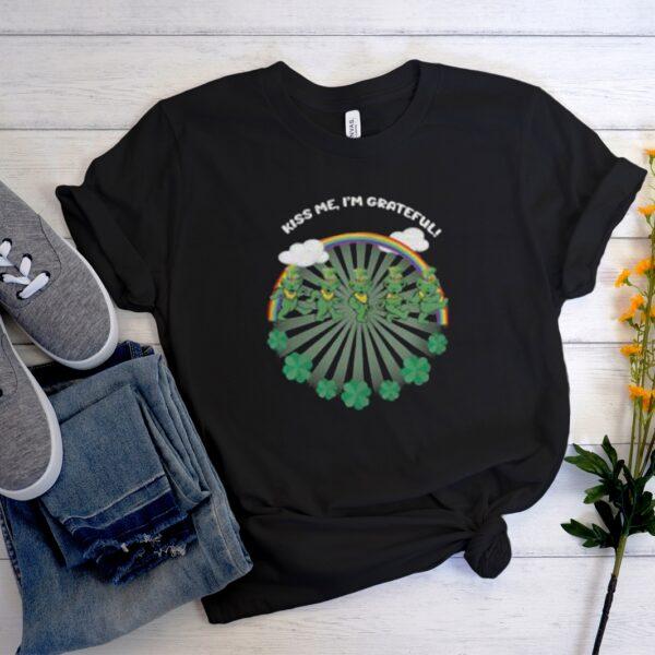 Green Bear Kiss Me I'm Grateful St. Patrick's Day Unisex Trending Graphic T-Shirt
